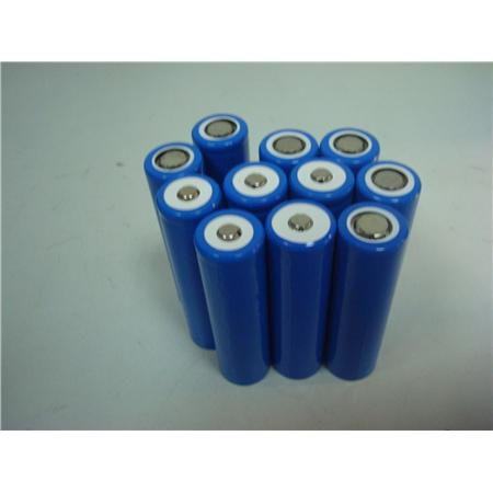 ' ' from the web at 'https://www.electricbike.com/wp-content/uploads/2012/06/led-light-battery-18650-battery-3-7v2400mah-battery.jpg'